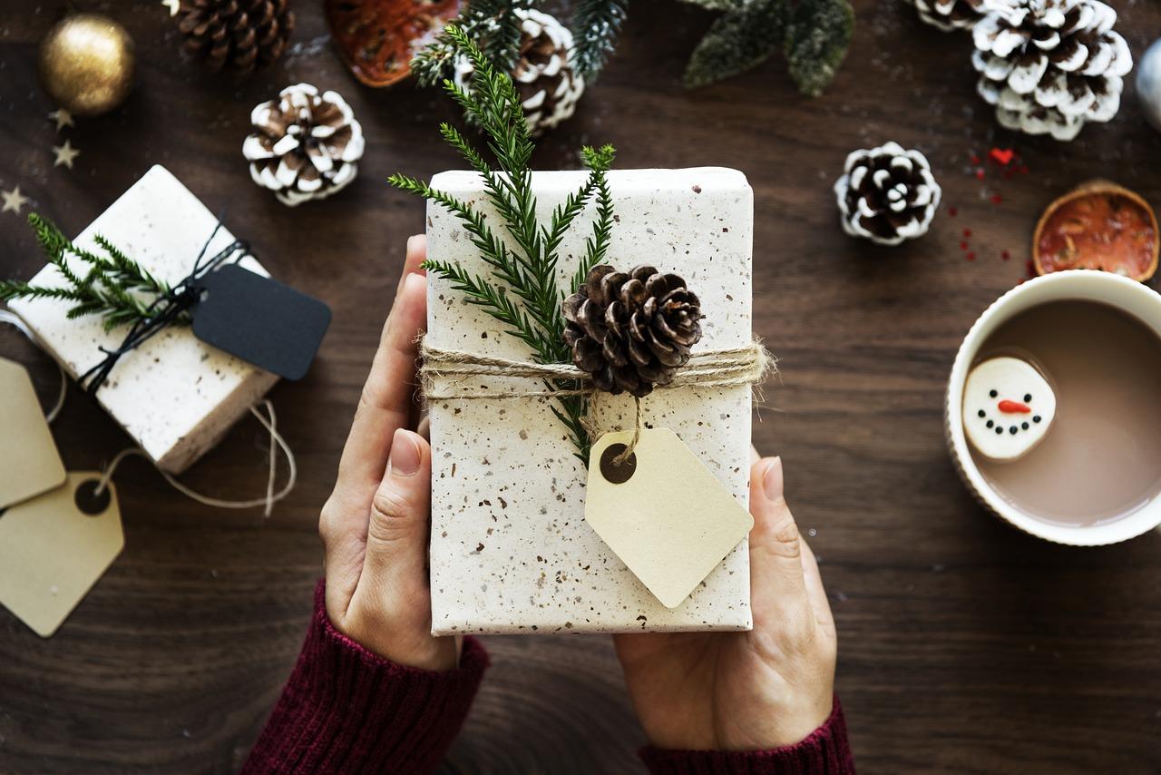 Jak wybrać fajne i niedrogie prezenty na Boże Narodzenie?