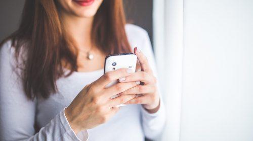 Jakie korzyści płyną z pisania pikantnych SMS-ów?